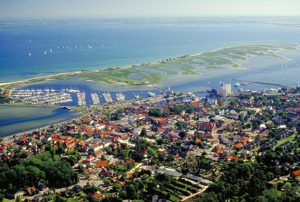 Bild auf Heiligenhafen, Blick auf die Ostsee, Jachthafen, Innenstadt