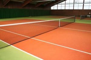 Tennishalle in Heiligenhafen ist ein gute Möglichkeit Tennis zuspielen, im Winter oder bei Regenwetter